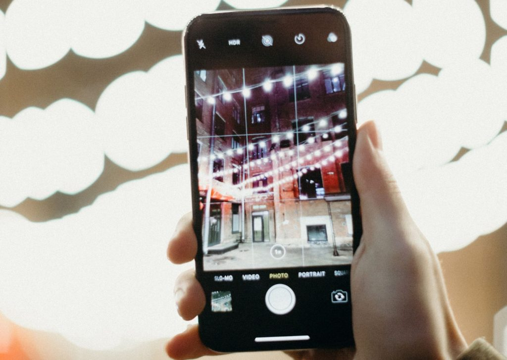 aparat fotograficzny czy smartfon