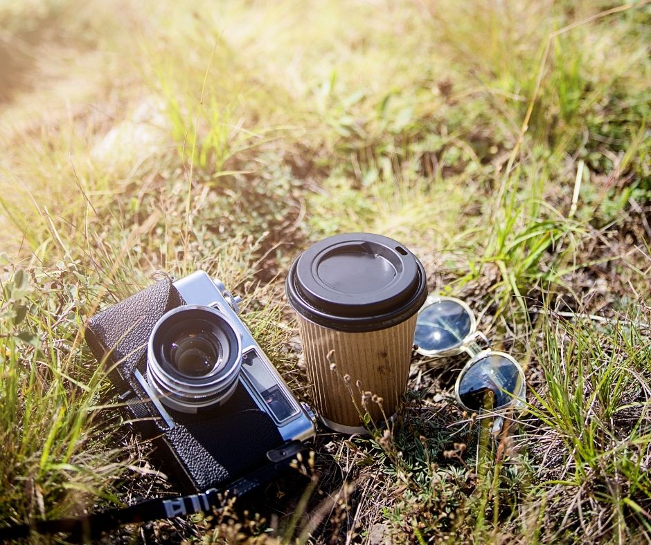 najlepszy aparat na wakacje, łąka